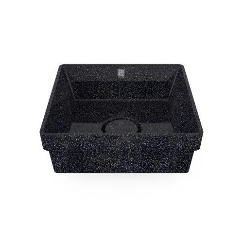 Char-schwarz. Woodio Cube40 Waschbecken hat ein minimalistisches quadratisches Design, das beide funktional und stilvoll ist. Die Oberfläche ist glänzende. Das Material ist Woodios Massivholz-Verbundwerkstoff, das in vielen harmonischen Farbtöne hergestellt wird.